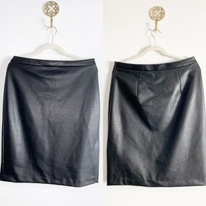 Banana Republic faux leather skirt 10 euc